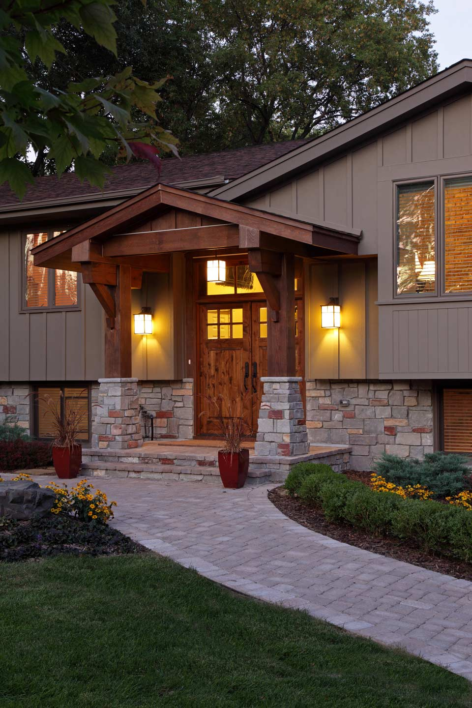 Exterior knight construction design inc for 1970 s split level remodel